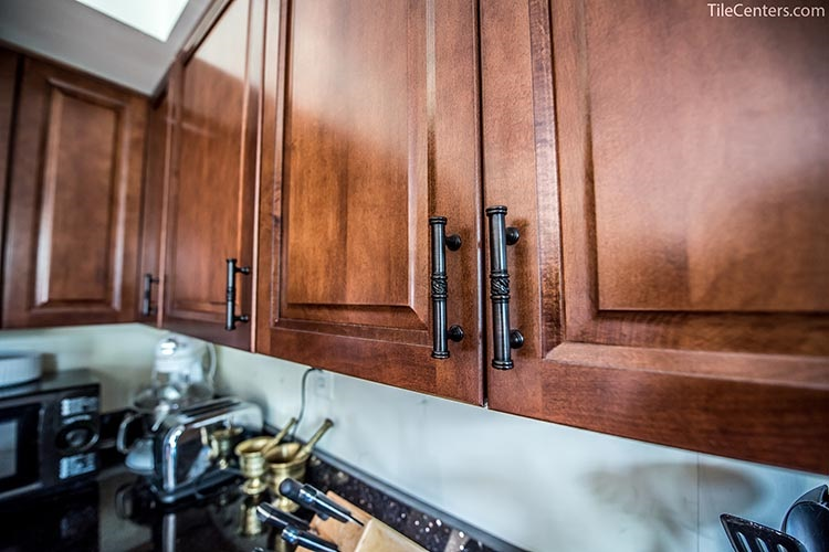 Kitchen Cabinet with Decorative Handle