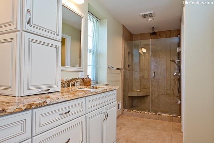 Classic style shower in bathroom - Potomac, MD 20854