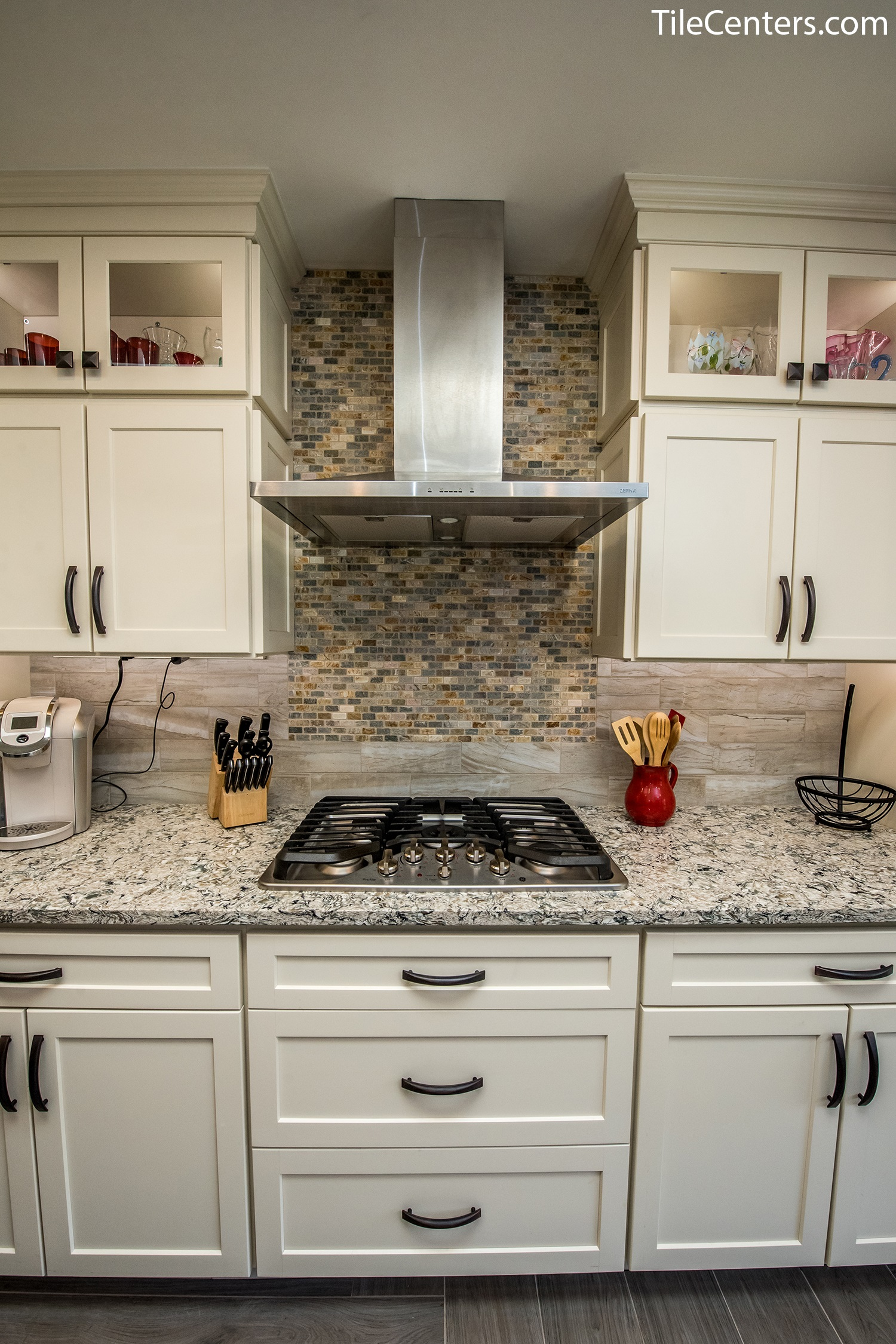 Gorgeous Kitchen Renovation In Potomac Maryland: Hope Ct, North Potomac, MD 20878: Tile Center