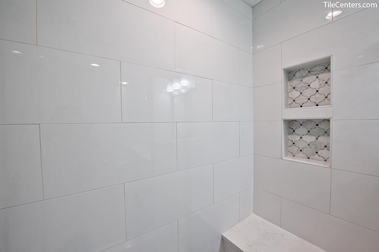 White Gloss Shower Wall Tile with Niche