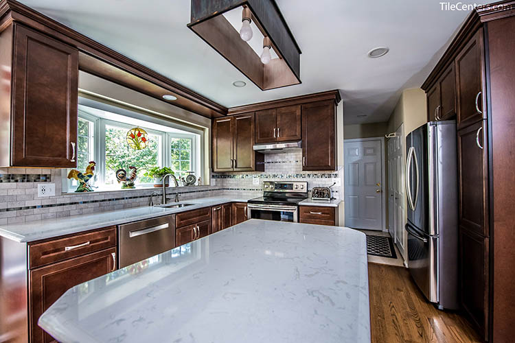 Floating Island Kitchen Countertop Space
