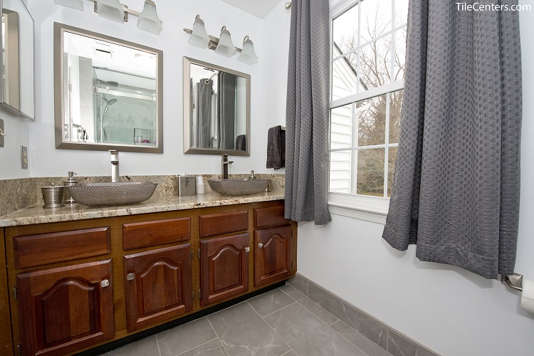 Hall Bathroom Remodel - Montgomery Village, MD 20886